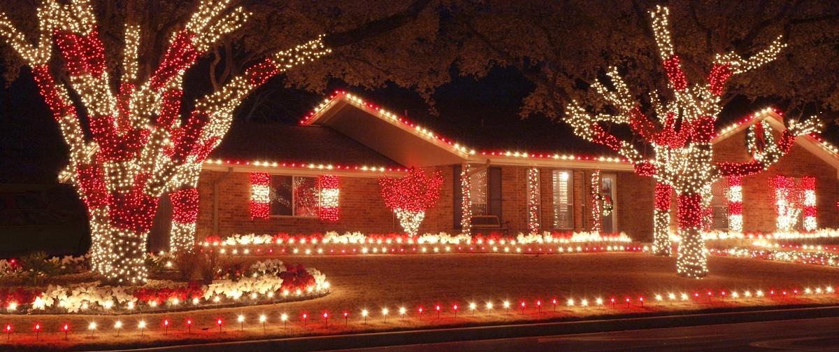customize holiday lighting